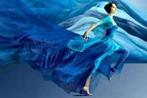 Леди в одежде синих тонов