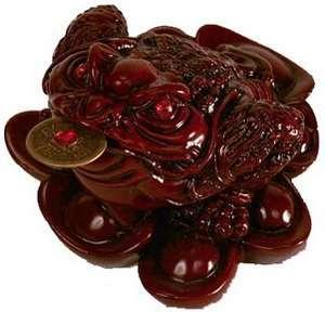 Деревянная фигурка жабы
