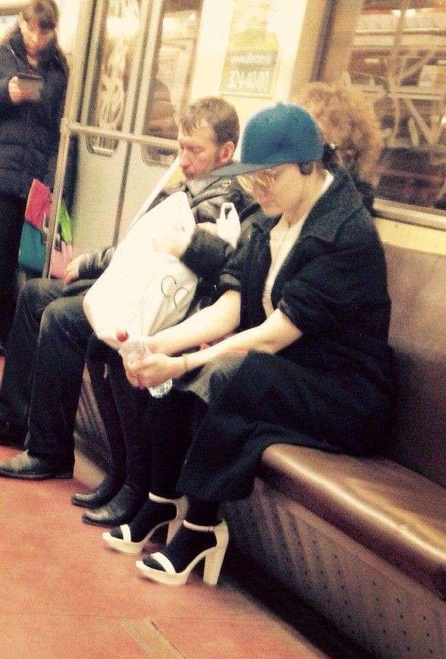 Модники пітерського метро (30 фото)